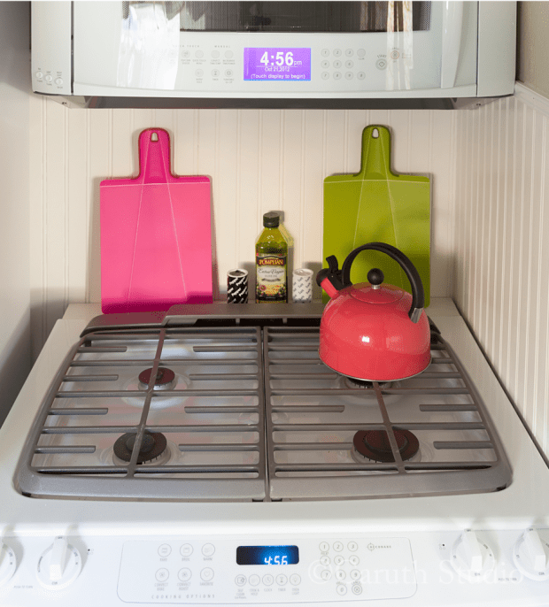 Small kitchen makeover stovetop