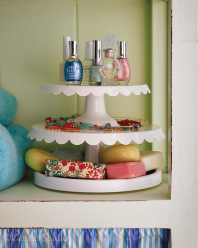 Lazy susan bath organization