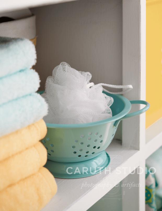 Bath cabinet colander