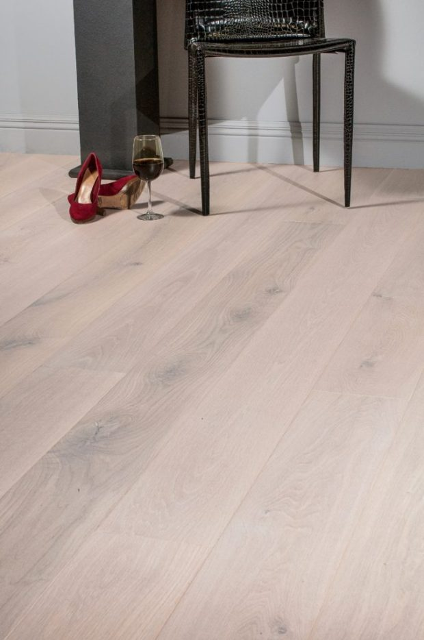 Aesthetics Oak Mist flooring