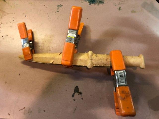 belt knife glueing