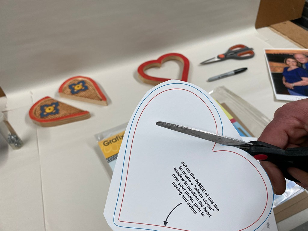 heart frame project template cutting