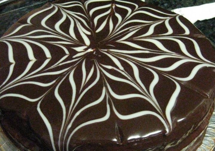 Chocolate Ganache For Piping And Decorating Cake Whipped Glaze
