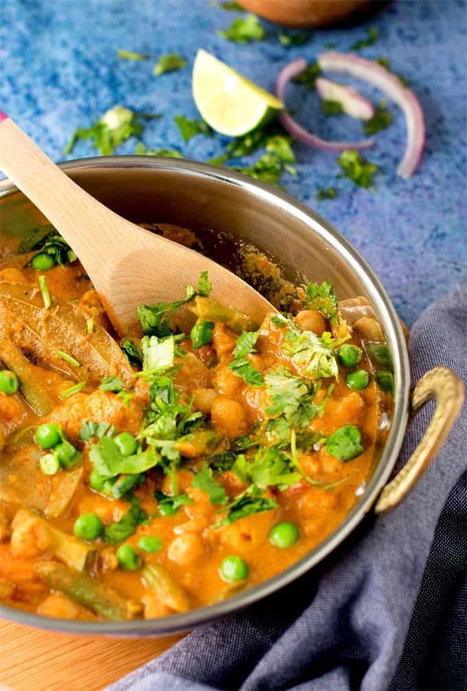 chickpeas-veggies-korma-in-coconut-sauce