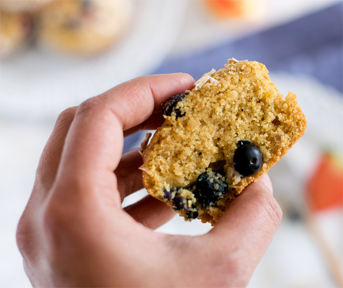 vegan-blueberry-healthy-muffins