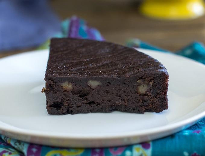 Vegetarian Cake Recipes In Pressure Cooker: Instant Pot Brownie Cake / Pressure Cooker Vegan Chocolate