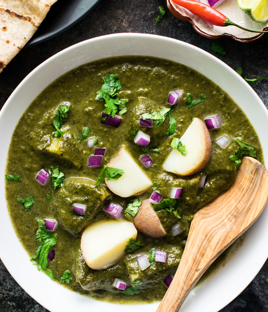 Aloo Palak gravy / Spinach Potato curry - Instant Pot Pressure cooker