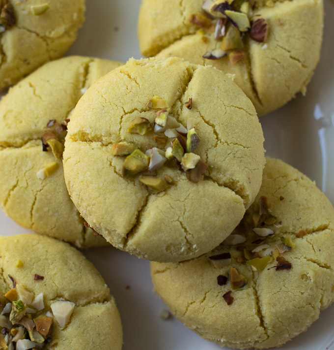 Close look of baked nankhatai with nuts.