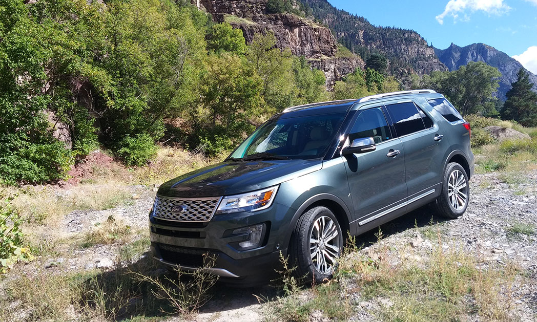 https://i0.wp.com/www.carvisionnews.com/wp-content/uploads/2015/09/cvr-09-18-15-ford-explorer-hits-the-sweet-spot-in-the-booming-suv-market.jpg?fit=1048%2C629&ssl=1