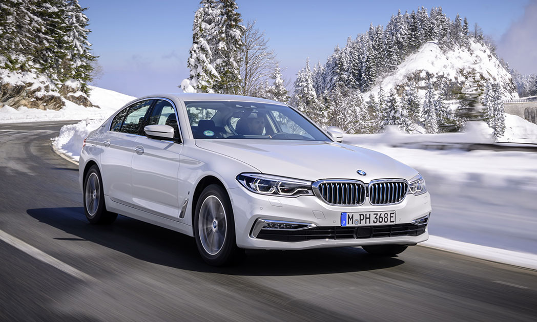 https://i0.wp.com/www.carvisionnews.com/wp-content/uploads/2017/11/bmw-530e-makes-the-hybrid-format-a-performance-winner.jpg?fit=1048%2C629