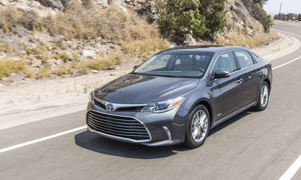 https://i0.wp.com/www.carvisionnews.com/wp-content/uploads/2018/02/cash-in-on-the-sliding-popularity-of-the-big-sedan.jpg?fit=1048%2C629&ssl=1