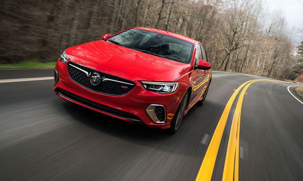 https://i0.wp.com/www.carvisionnews.com/wp-content/uploads/2018/08/2018-buick-regal-gs.jpg?fit=1048%2C629