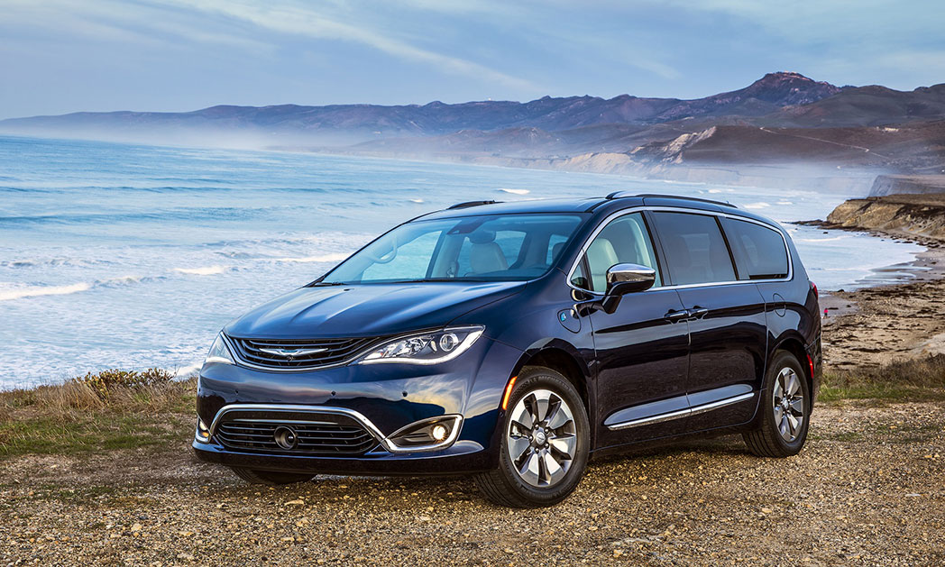 https://i0.wp.com/www.carvisionnews.com/wp-content/uploads/2019/02/2019-chrysler-pacifica-hybrid.jpg?fit=1048%2C629