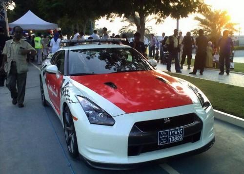 Dubai Police Patrols in Nissan GT-R