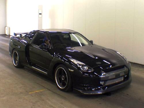 Nissan-GT-R-R35