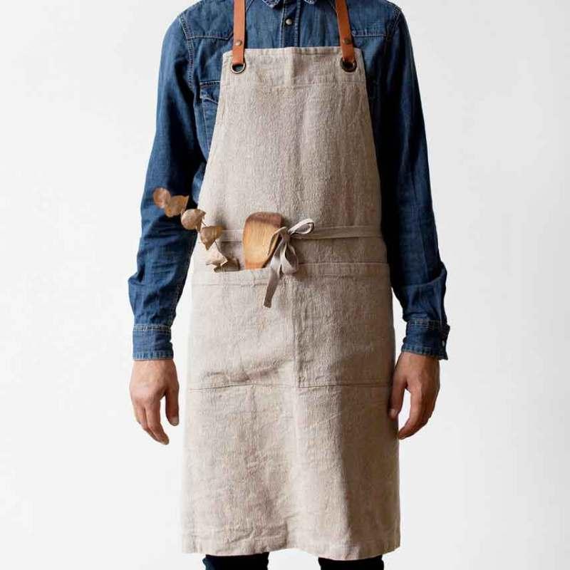 Naturelkleurig linnen keukenschort met leren bandjes voor mannen - Casa Comodo