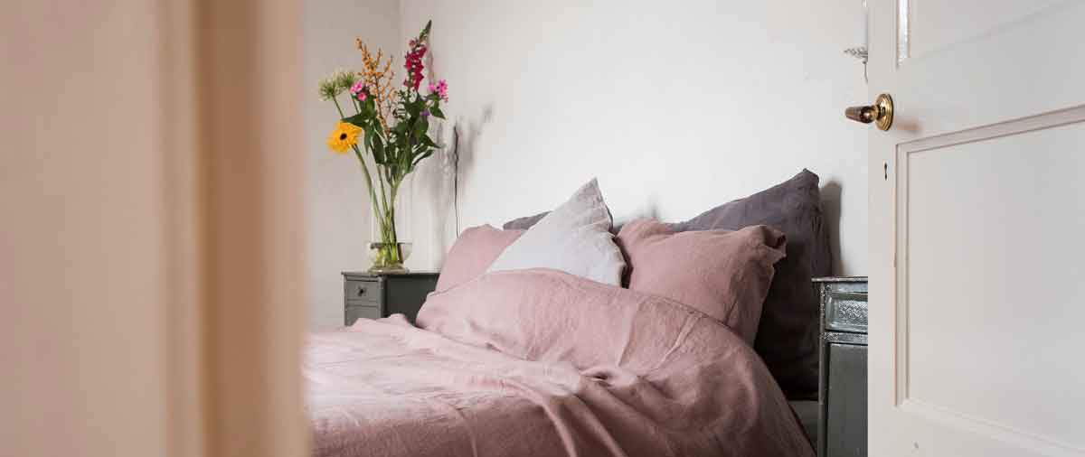 f20046e35473 What are the benefits of linen bedding? Read here about the unique  properties of linen