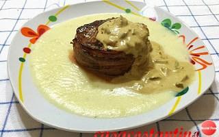 Filet mignon lardellato con salsa ai funghi porcini su crema di patate al rosmarino – Oggi cucina…Emanuele