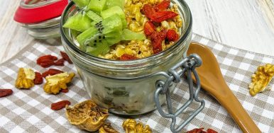 Muesli and Goji Kiwi Yogurt