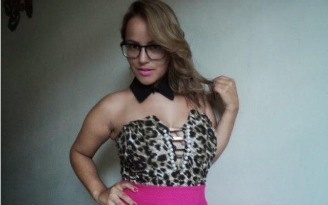 Dafne, a garota de programa anã que vem conquistando homens pelo Brasil