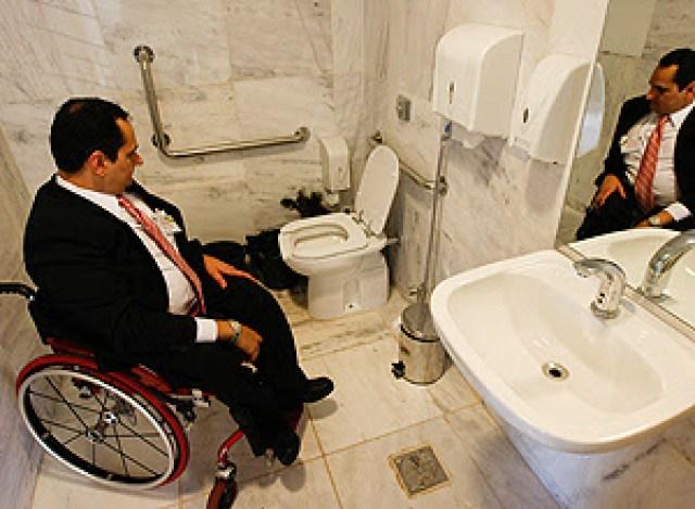 banheiro adaptado-corrupção- desrespeito- de papo com Claudinha- casadaptada