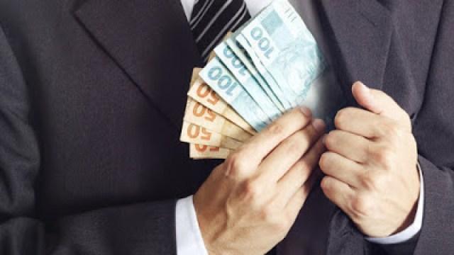 dinheiro-corrupção- de papo comClaudinha-casadaptada