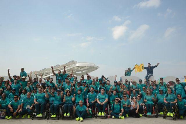 Resultado de imagem para Delegação Paralímpica desembarca no Rio 2016