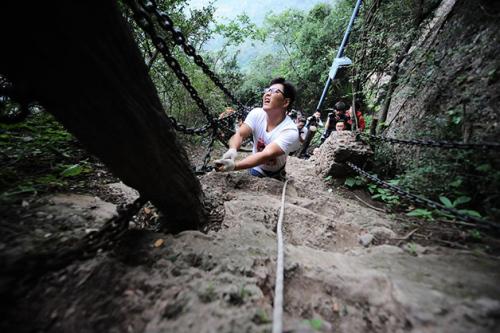 chen-zhou-alpinista-amputado-1