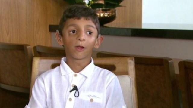 Gabriel Strinta dos Santos Elias tem oito anos e já precisou passar por 21 cirurgias (Foto: Reprodução/RPC)
