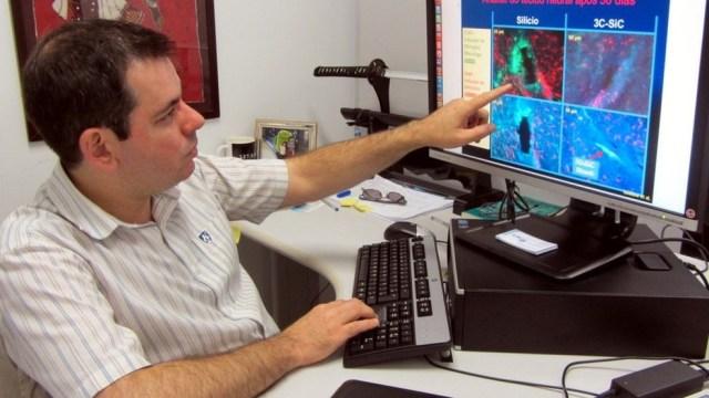 Pesquisador Mario Gazziro, na USP, compara respostas do cérebro a chip implantável (Foto: Arquivo Pessoal)