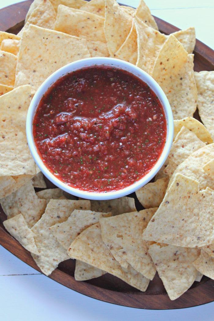 quick + easy homemade blender salsa #YesYouCAN [ad]   casadecrews.com