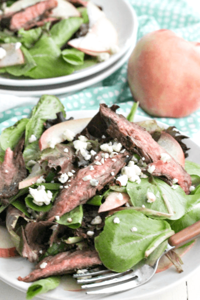 Balsamic Steak and Grilled Peach Salad casadecrews.com
