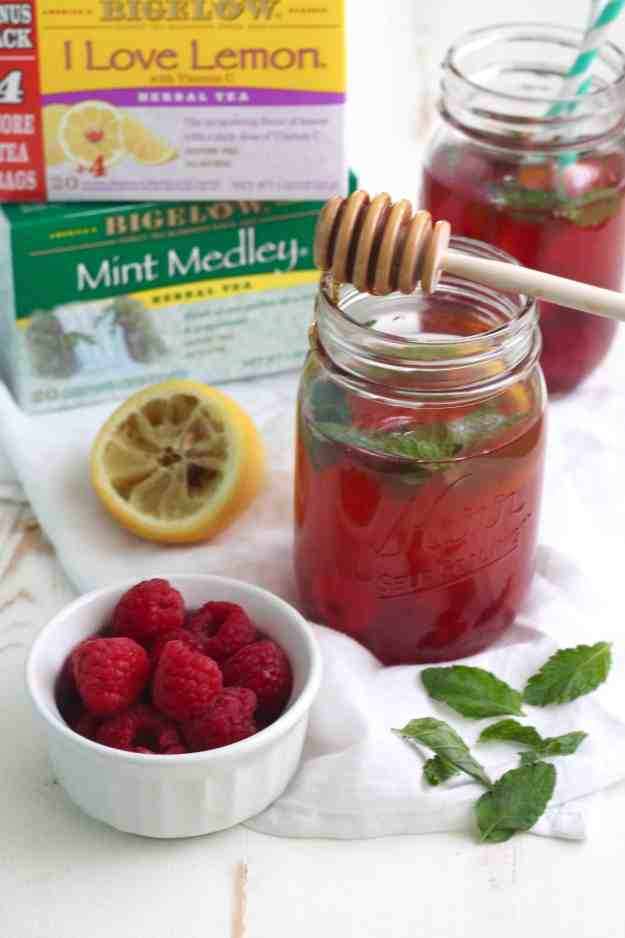 Lemon and Mint Iced Tea with Raspberries | casadecrews.com