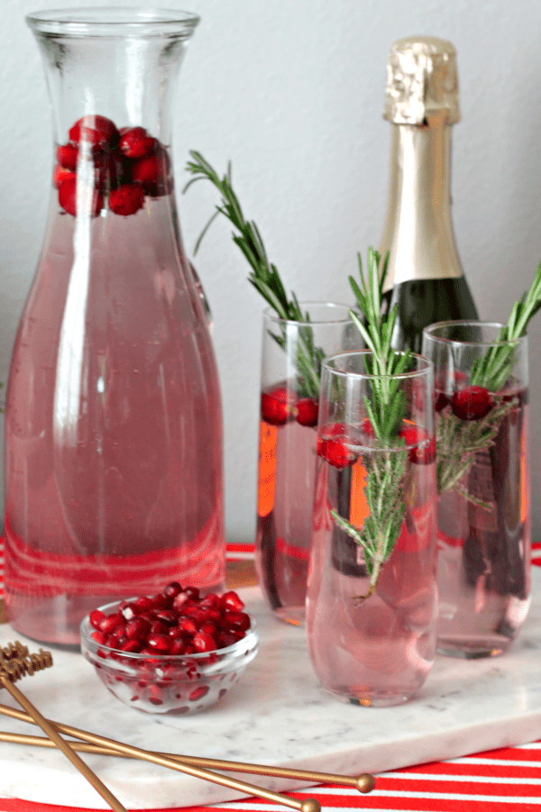 Berry Sparkling Cocktail with Fresh Rosemary (and how to throw a stress-free holiday party) | casadecrews.com