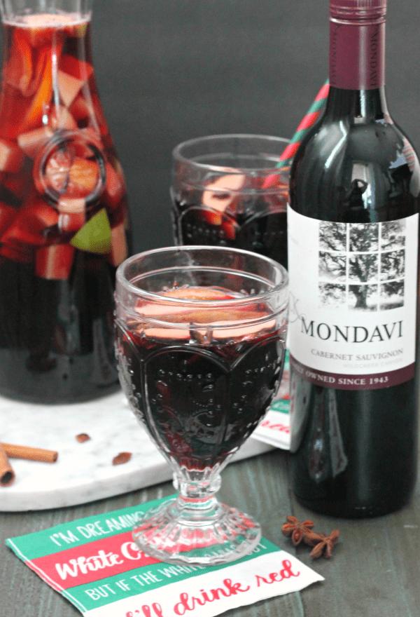 Red Winter Sangria | casadecrews.com