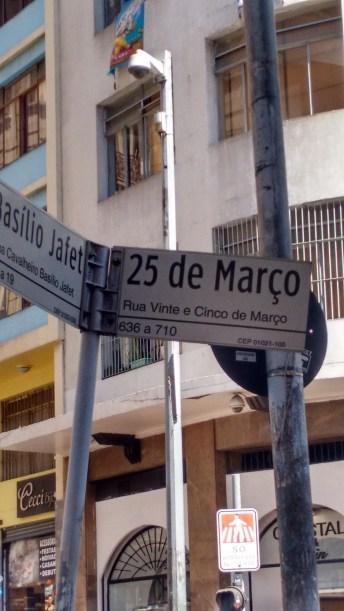 Centro Histórico de São Paulo Rua 25 deMarço
