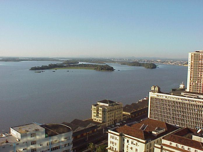 Mercado Público de Porto Alegre vista do Guaíba