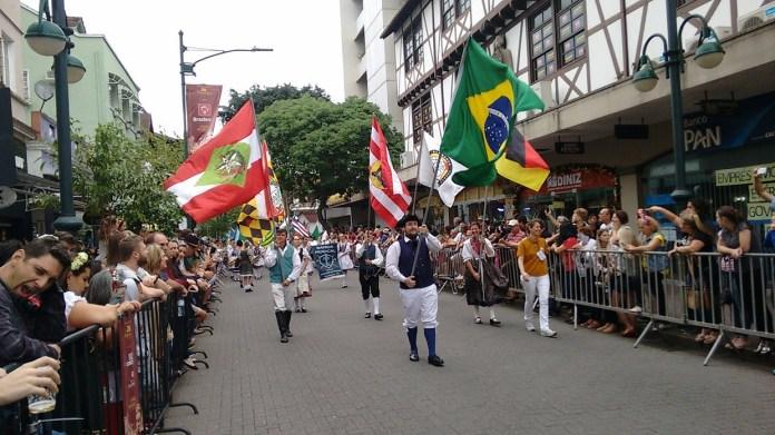 Oktoberfest Blumenau Desfile