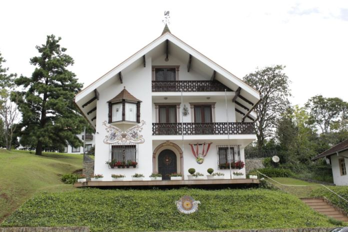 Consulado Honorário da Áustria, em Treze Tílias.