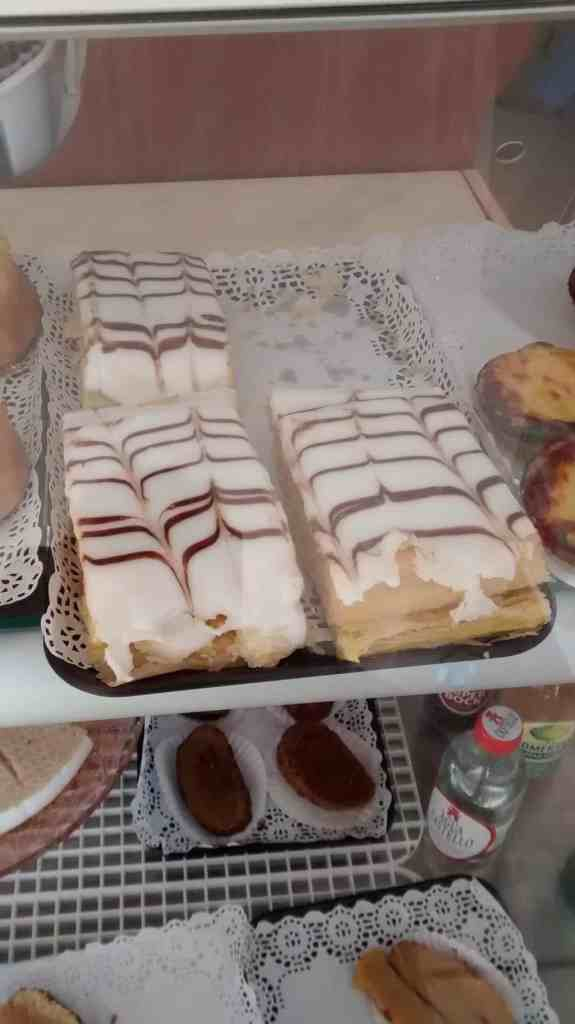 Delicious cakes called 1000_Folhas at Padaria Vila Doce Santa Luzia
