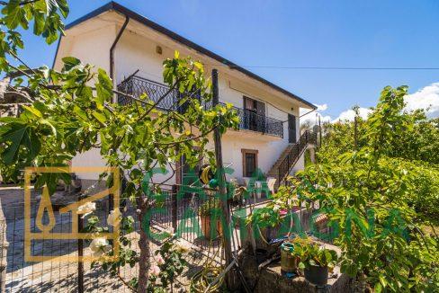 Casa indipendente in vendita Pratella
