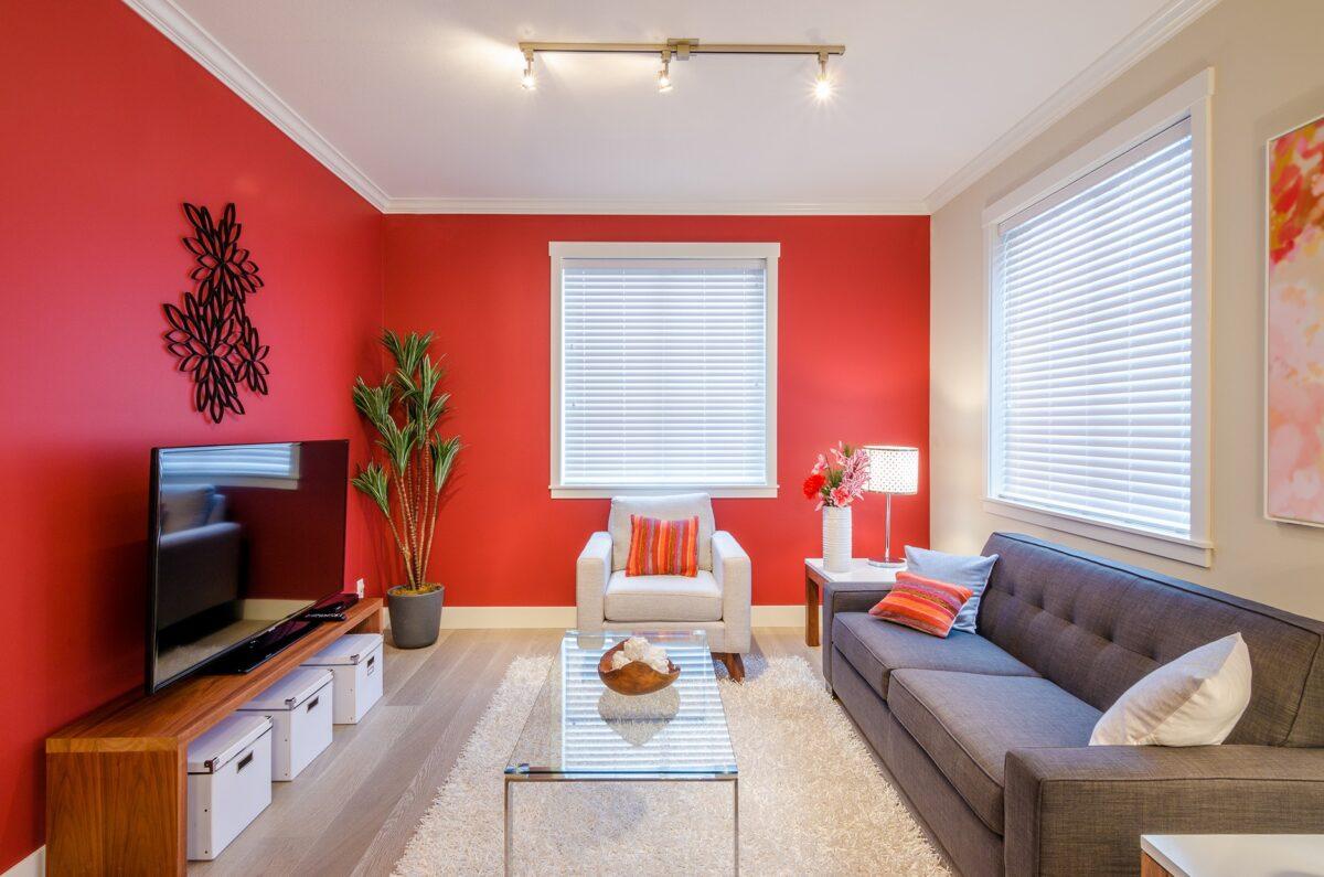 Per dipingere il soggiorno con una vernice effetto cemento ci serviranno attrezzi. Colori E Abbinamenti Per Il Soggiorno Quale Parete Dipingere Piu Chiara