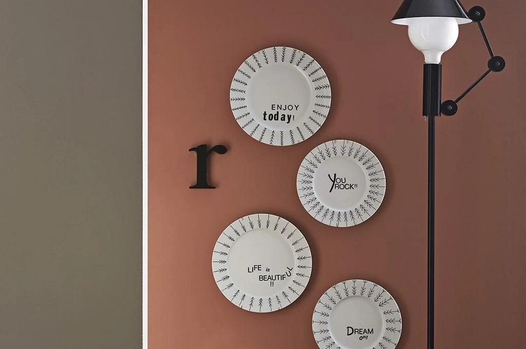 Decora i piatti di ceramica con il lettering  CasaFacile