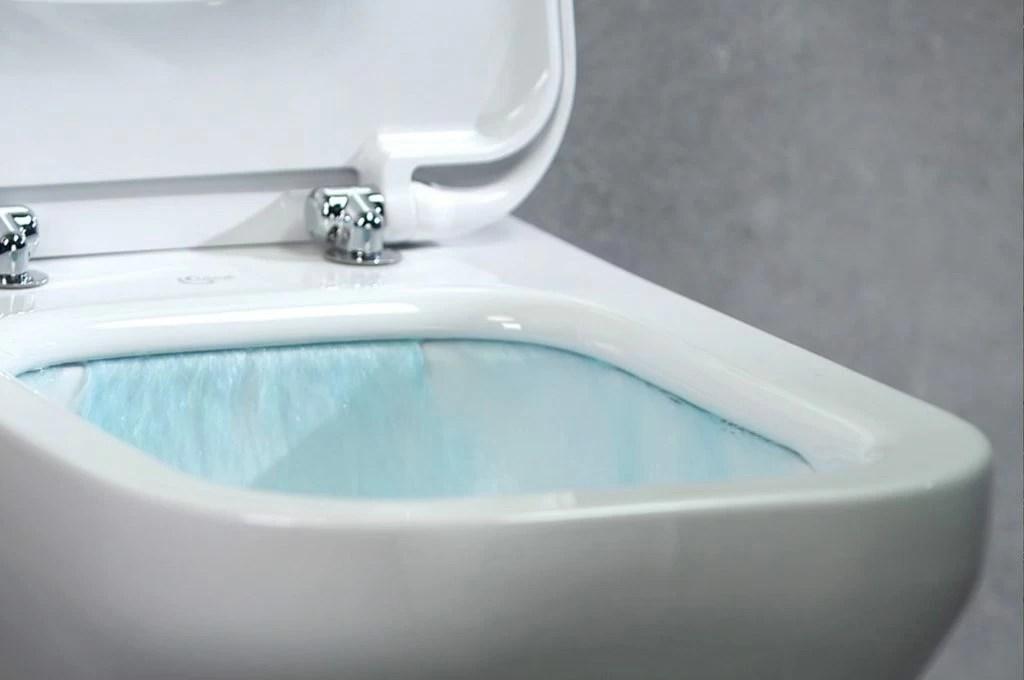 Pulizie facili con AquaBlade il sistema senza brida