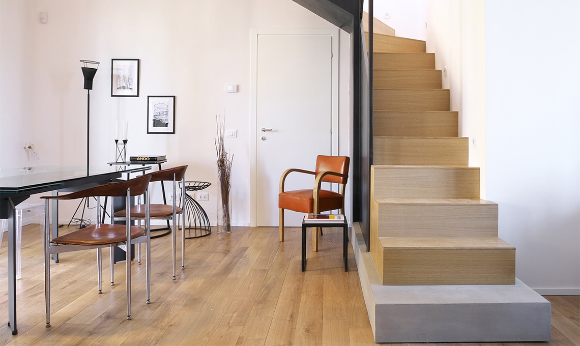 Una scala riprogettata per ricavare una stanza in pi
