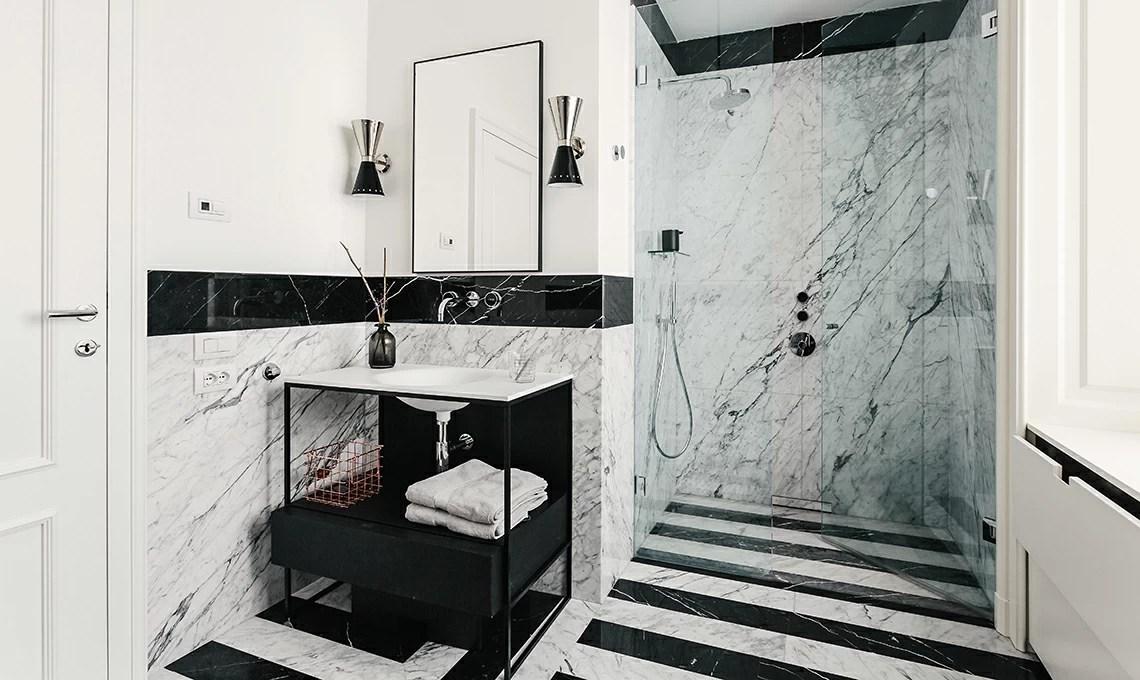 Una casa in bianco e nero tra classico e contemporaneo  CASAfacile