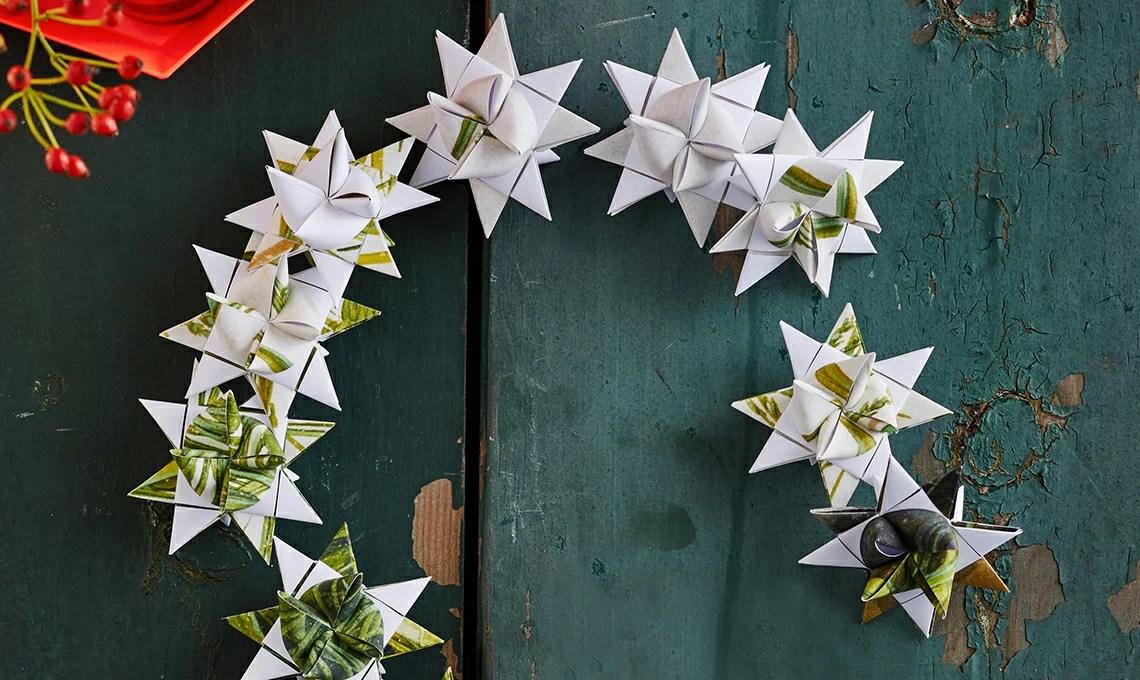 Ghirlanda natalizia di fiocchi di carta  CASAfacile