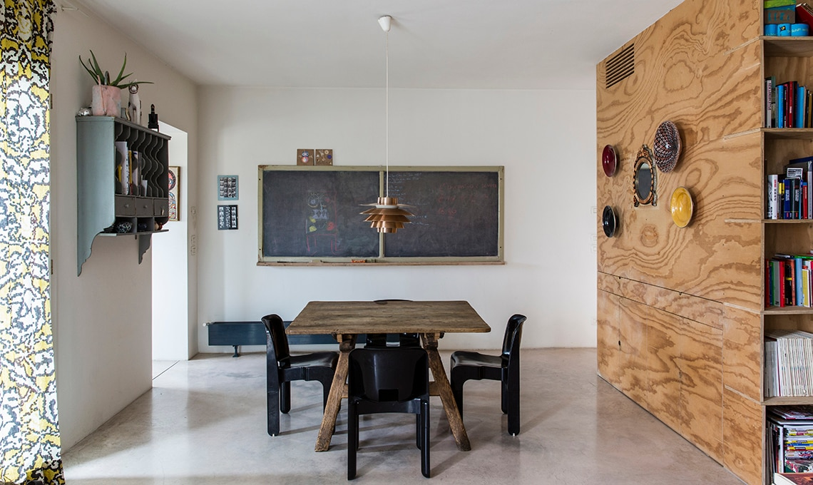 Mobili contenitori e pareti in legno per dividere lo