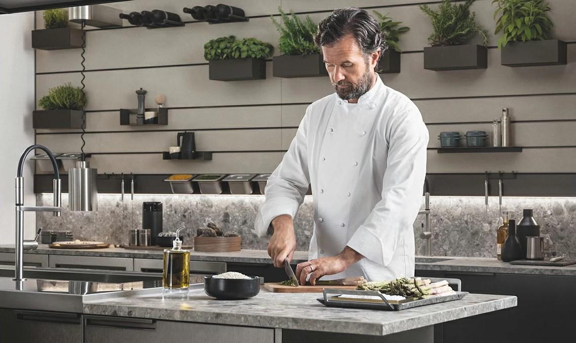 Carlo Cracco ci racconta la nuova cucina Mia di