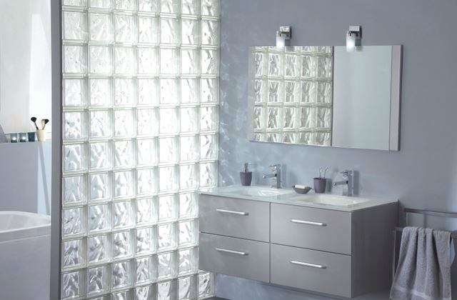 Parete in vetrocemento per doccia come costruirla